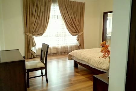 LUXURY ROOM IN A SHARED FLAT - Manama - Apartment
