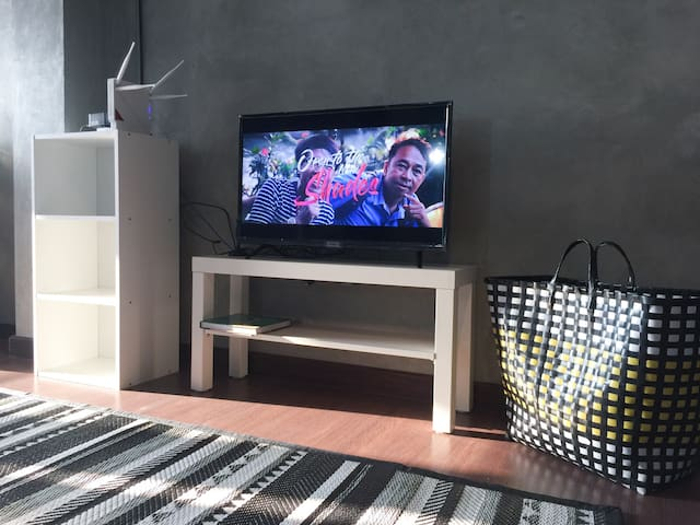 42 inches smart TV with super wifi