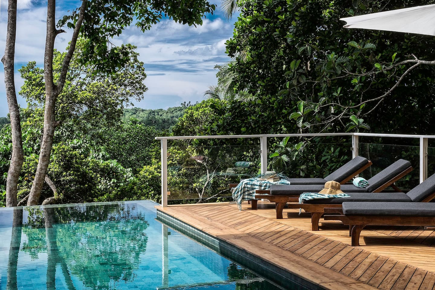 Infinity edge pool with elevated views