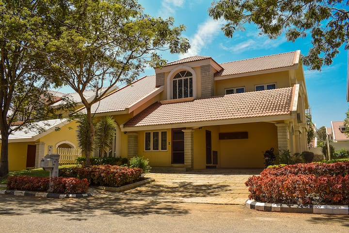 4BR Villa, Closer to BLR Airport