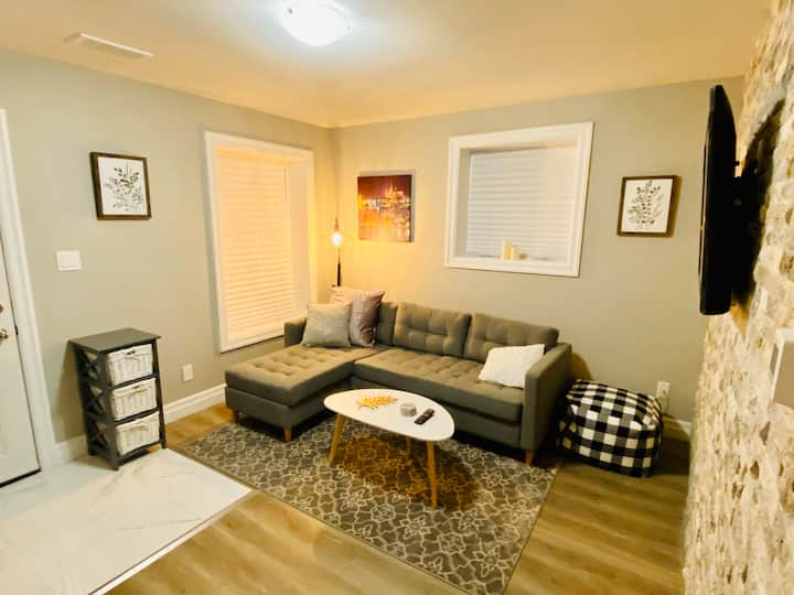 *RARE* Charming 4BR Home | Modern Touch