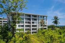 KH2604 - Mountain view apartment for 4 in Karon, 650 meters to beach