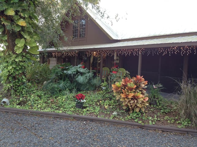 Hammock Loft, 2 bdrm apt on 8 acres - Fort Pierce - Casa