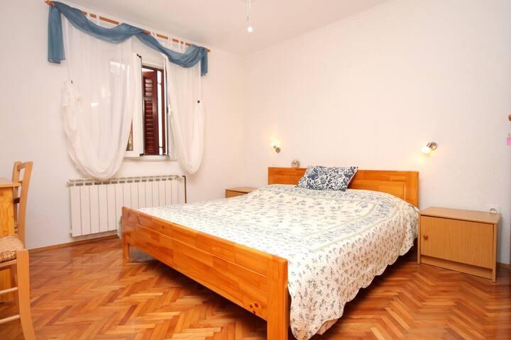 Room (pet friendly) Brseč (Opatija) (S-3439-b)