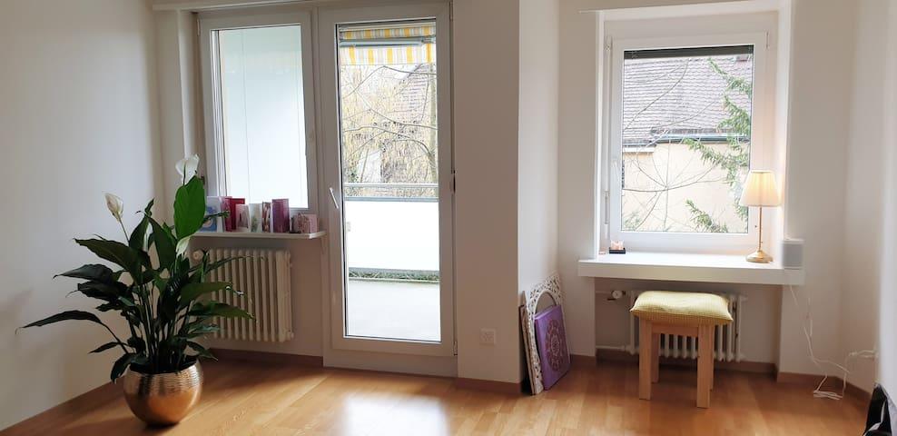 Bright & spacious home | Balcony | Kitchen | WiFi