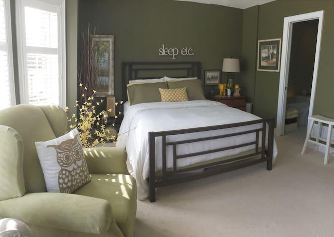 Near Glen Abbey - One Bedroom - Oakville