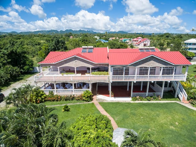 Lescape A Boutique Resort in Balenbouche, St Lucia