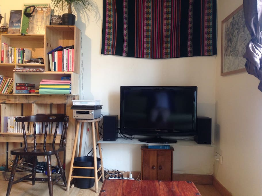 the multimedia side of the mainroom (tv not working for the moment)