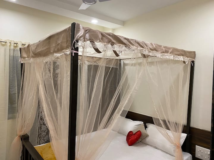 Honeymoon Suite-HM102- Galaxy Residency, Panchgani