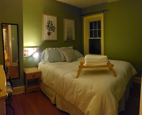 Charming Old North 2bdrm Apartment