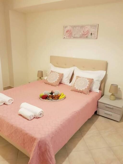 Κύρια κρεββατοκάμαρα με τζακούζι