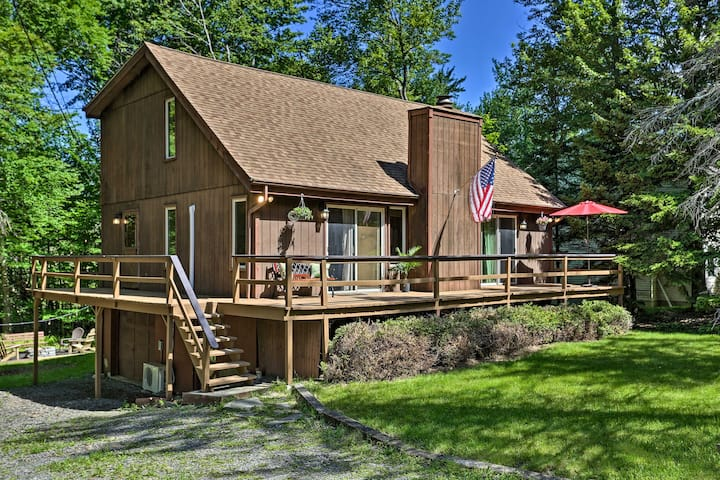 NEW! Tobyhanna Cabin w/Resort Amenities + Fire Pit