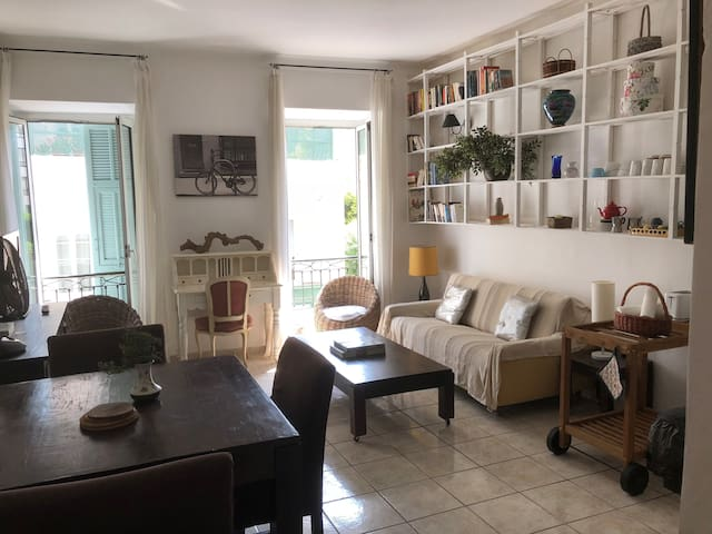 Apartment in the heart of Nice