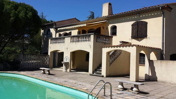 Superbe Villa de 190 m² sur 8000m² de terrain clos