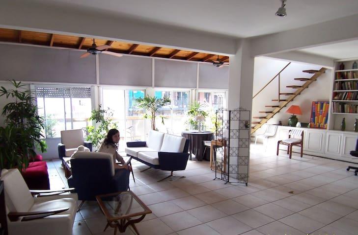 Casa espectacular c/habitaciones enormes c/baño pr