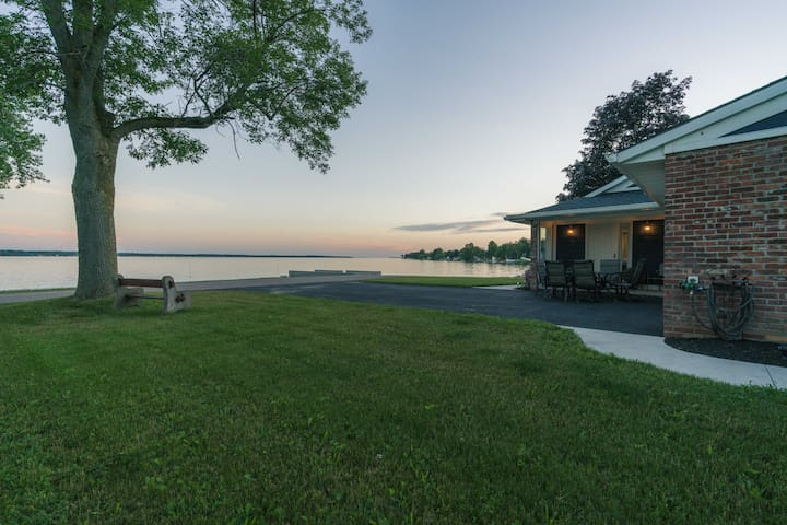 Lake Ontario Retreat Chaumont NY Sleeps 15