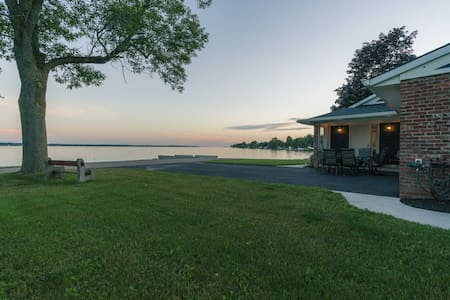 Lake Ontario Retreat Chaumont NY Sleeps 15