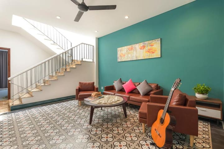 4-BR FULL HOUSE by Local MARKET