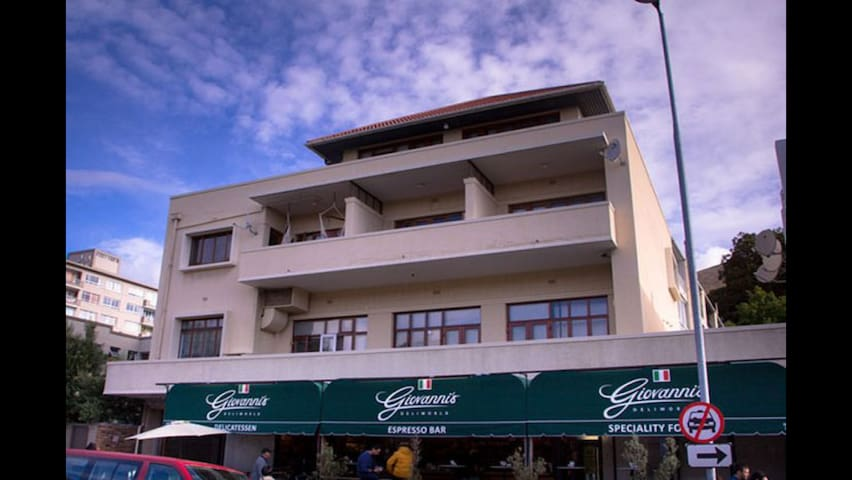 1 bedroom apartment - central GREEN POINT