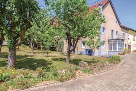 Semi-Detached with 3 bedrooms on 90m² in Arzfeld