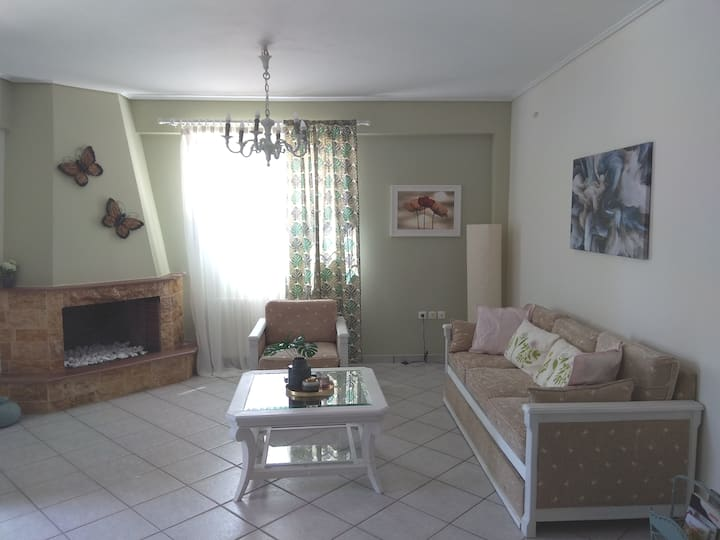 Flat with garden near sea, port and airport