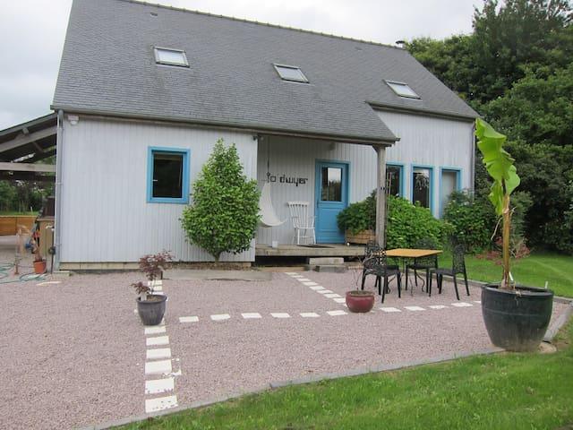 Wooden Home: St Malo, Dinard, Dinan - Langrolay-sur-Rance - Casa