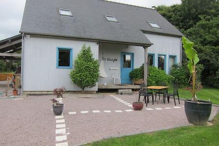 Maison bois: St Malo, Dinard, Dinan - Langrolay-sur-Rance - Casa