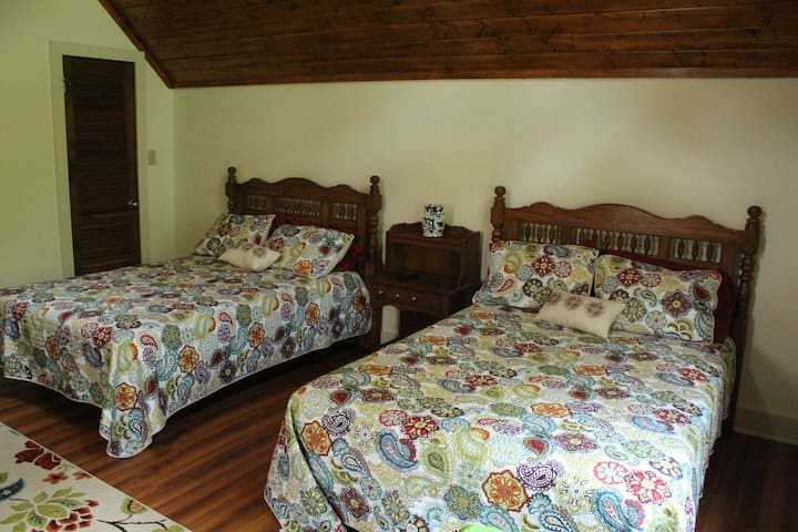 Upstairs large bedroom #2  2 double beds