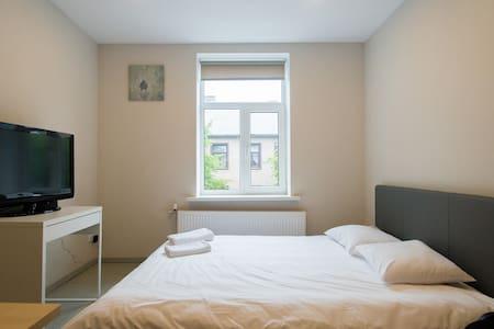 Varnu apartment, city center - Riga