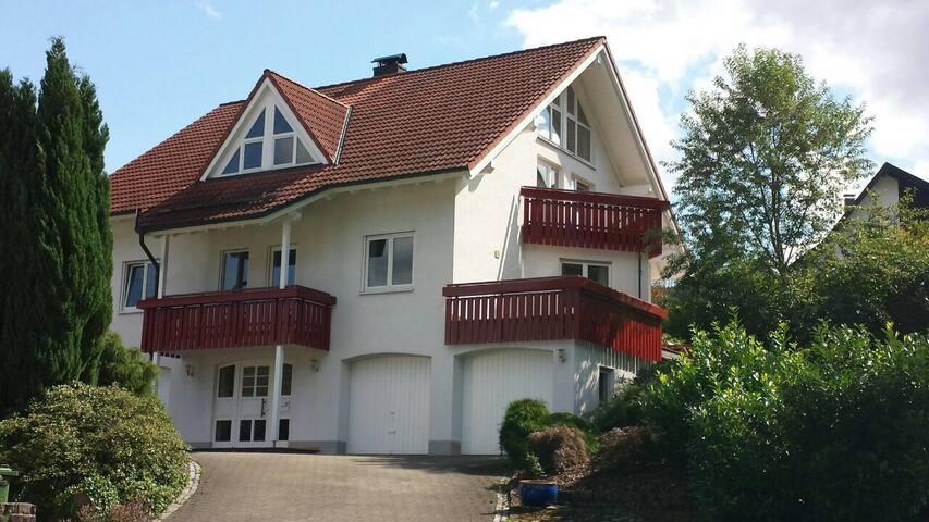 "Villa ""MIRO"" Traumhaftes Haus  Erholung, Business"