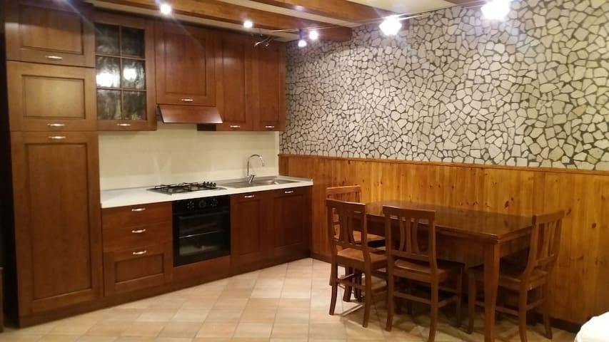 Taverna indipendente cucina e bagno - Tavernelle