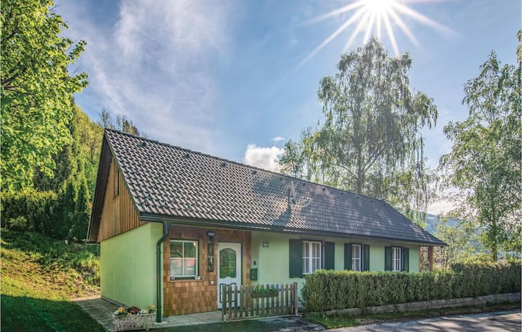Holiday cottage with 2 bedrooms on 95m² in St.Peter am Kammersberg