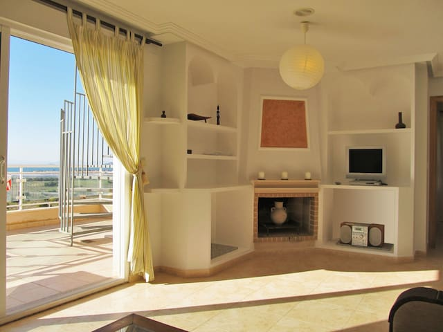 Beautiful penthouse with two big terraces and stunning views in Cala Flores