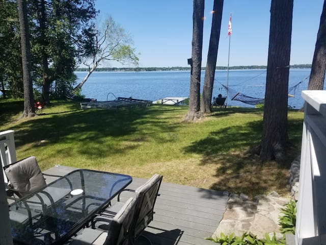 # Direct access to the lake/ charming character