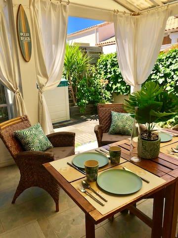 Charmante villa dans résidence avec piscine