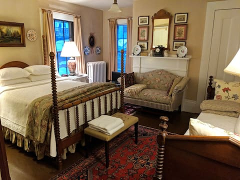 Middlemarch Rm, Historic S.Boston Home w/Breakfast