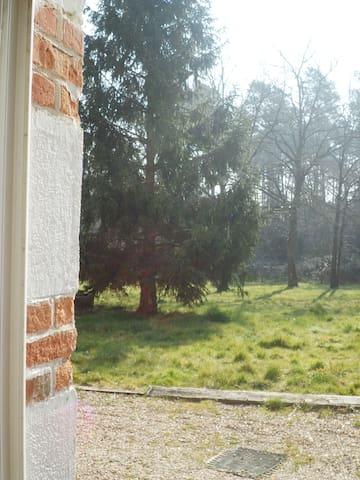 Maison en bordure de forêt - Ligny-le-Ribault - Dům