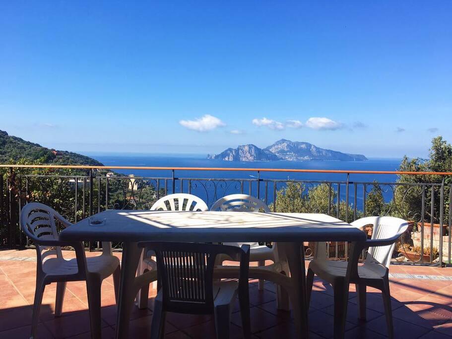 Una bella colazione panoramica.