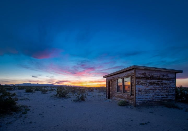 Joshua Tree Homestead Camp Cabin