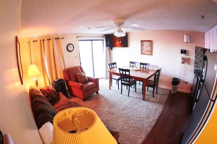 Free Ski Ins:Free Hot Tub&Pool, Renovated, Deluxe ML#241;2BR/2Bath*Ski in/Out