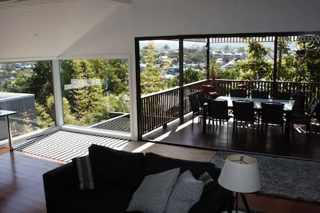 Luxury House Pool 1,2,3 Rooms or House - Red Hill