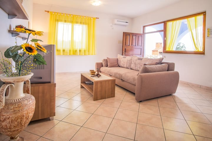 apartm (2+2) for relaxing holiday 1 - Stara Baška - Byt
