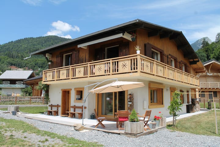 Samoëns Logement F4 de 100 m² :  1 à 8 personnes
