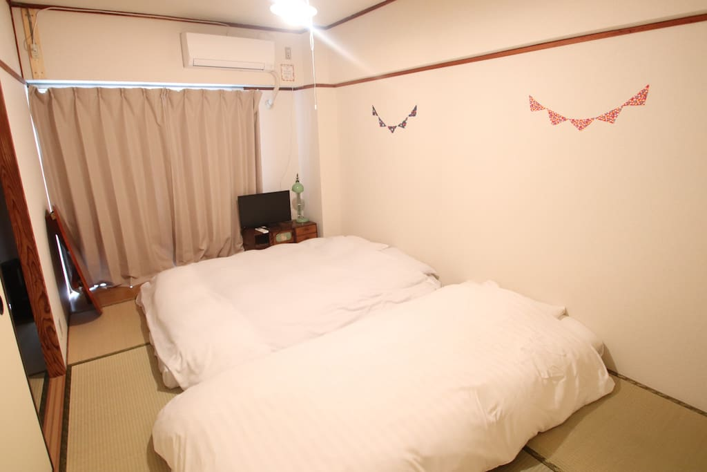 Room B (Double mattress ×1 Single mattress×1 )