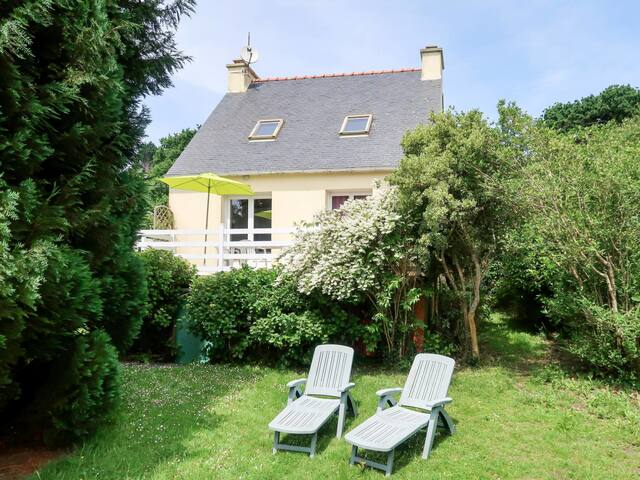 Detached house for 4 persons in Crozon