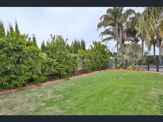 Enclosed back yard, great for kids or pets
