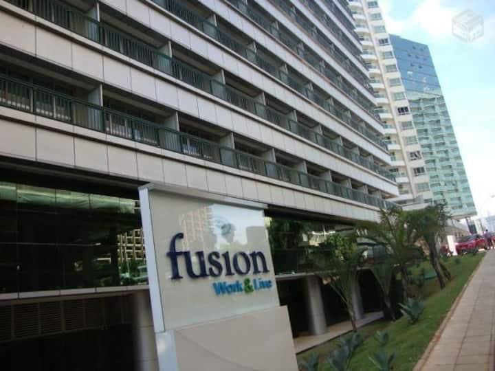 Flat Hotel Fusion , ao lado da Esplanada.