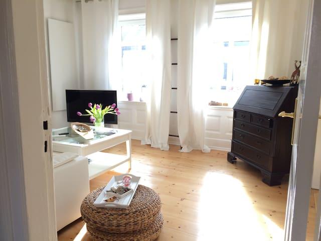 """Lovely """"Altbau"""" Apartment Schanze - Hamburg - Wohnung"""