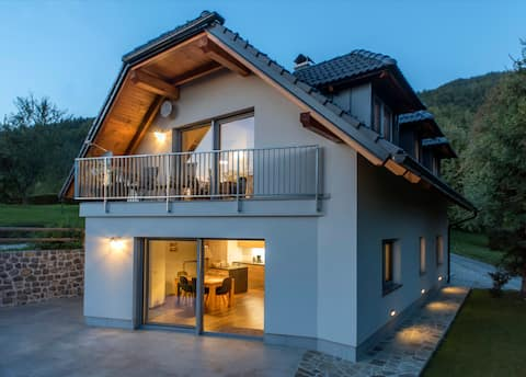 SIVKA-Charming Design Apartment-Private Sauna