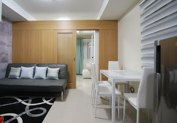 Comfortably Spacious Condo near Mall of Asia
